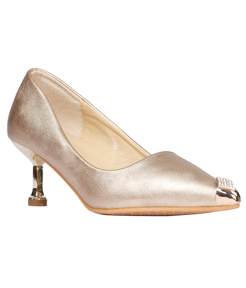 Women Gold Ethnic Pumps