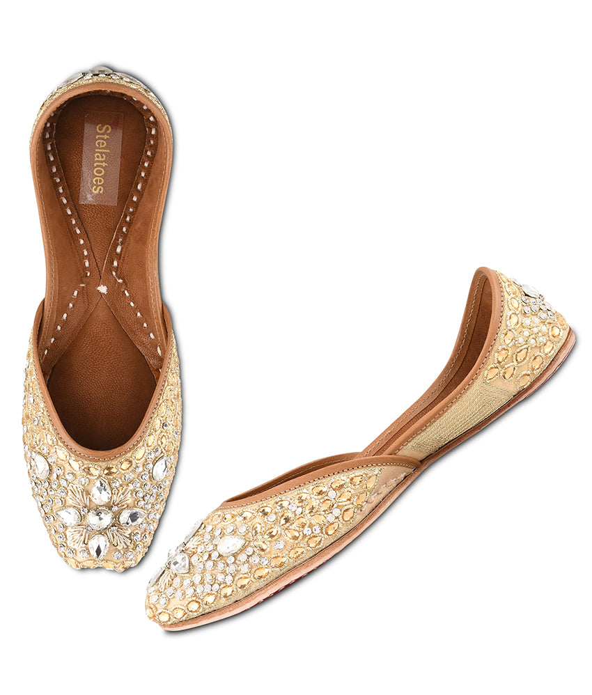 Women Gold Ethnic Mojari