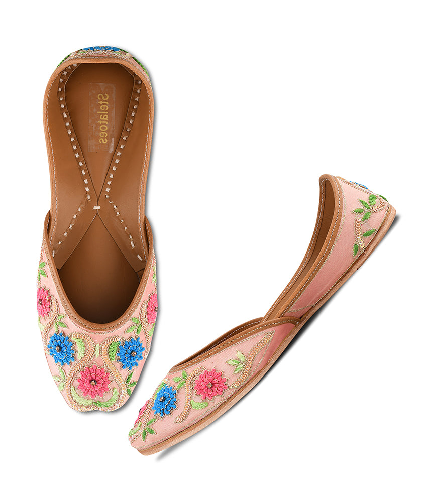 Women Peach Ethnic Mojari