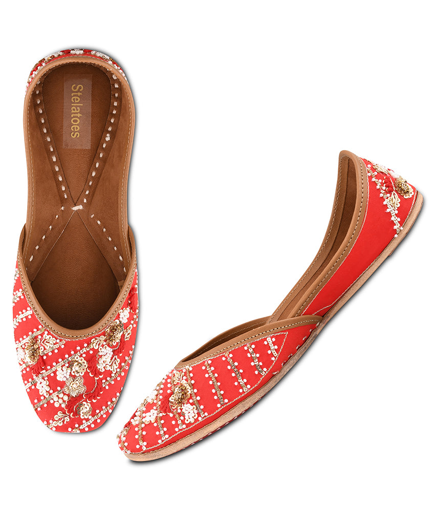 Women Red Ethnic Mojari