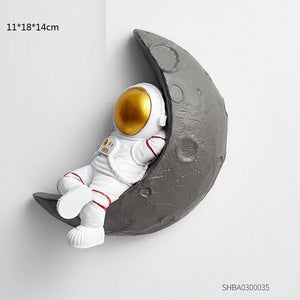 Creative 3D Astronaut Figure on moon Wall Hanging Decor Spaceman Modern Decoration