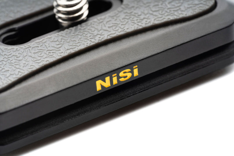 camera-filters-NiSi-Ireland-quick-release-plate-black-front-nisi-logo