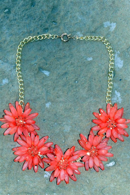 Flower Necklace - MOD Boutique