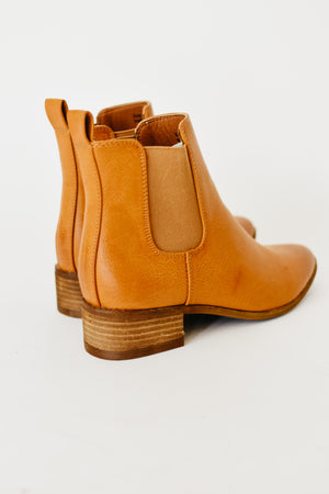 The Norway Chelsea Bootie || Camel