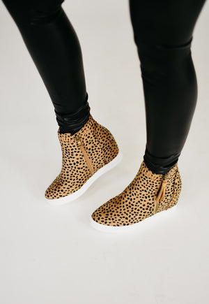 The Taylor Wedge Tennis Shoes - Cheetah