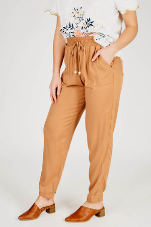 The Kinslee Tapered Pants - Tan