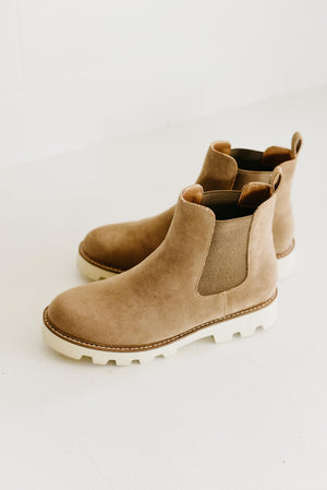 Jessie-Latte | Chunky Sole Chelsea Boot