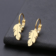 Load image into Gallery viewer, Leaf Drop Earrings