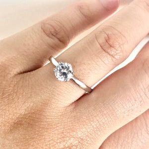 Round Cut Promise Ring
