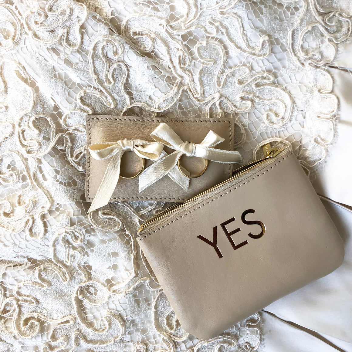 WEDDING RINGS CUSHION & POUCH