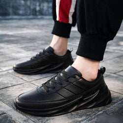 Ultra Lite Black Synthetic Solid Sports Sneaker