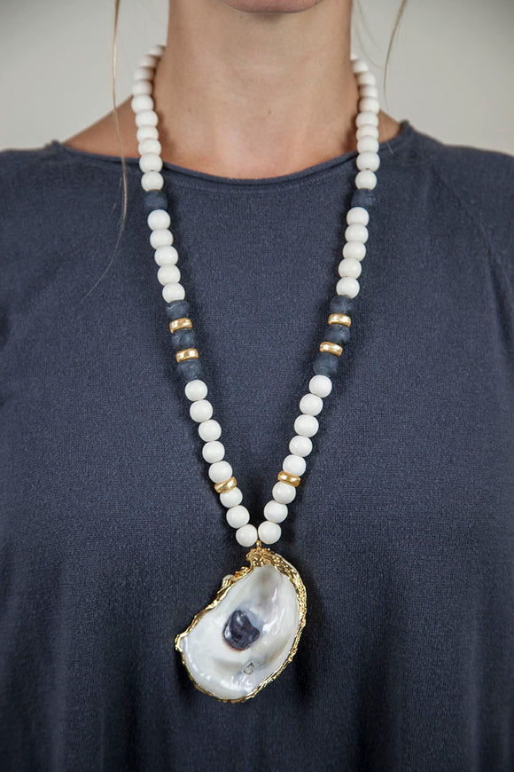 BLACK + WHITE OYSTER NECKLACE