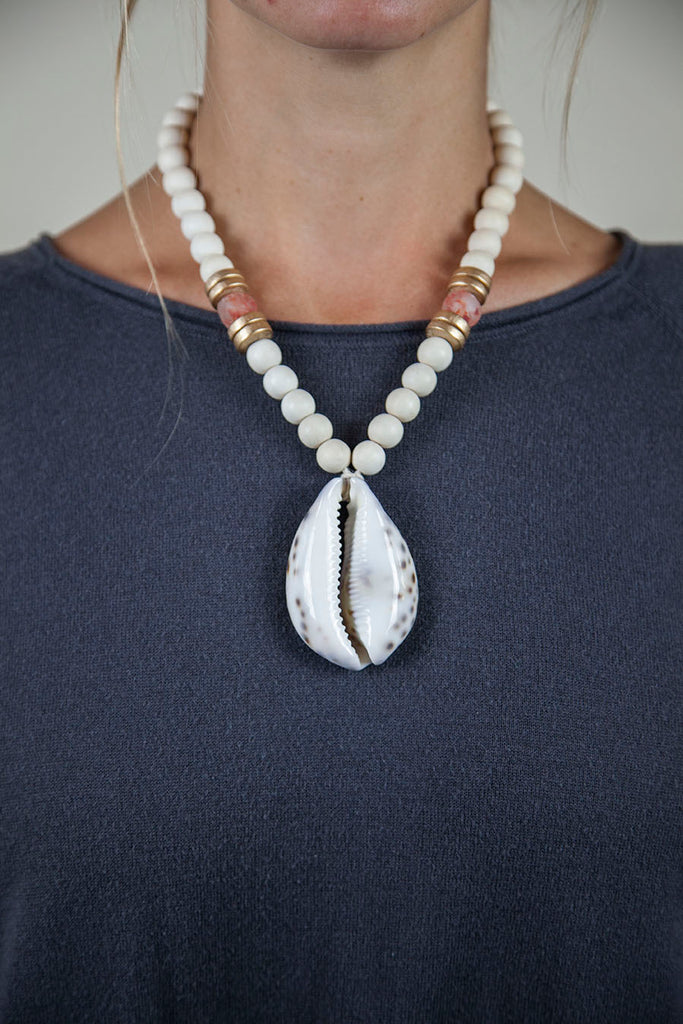 PINK + WHITE COWRIE NECKLACE