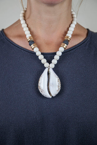 BLACK + WHITE COWRIE NECKLACE