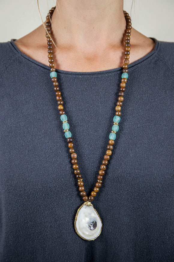 SEAFOAM + BROWN SLIM OYSTER NECKLACE