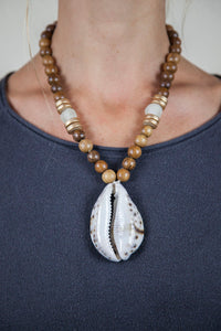 CLEAR + BROWN COWRIE NECKLACE