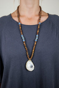 BLUE + BROWN SLIM OYSTER NECKLACE