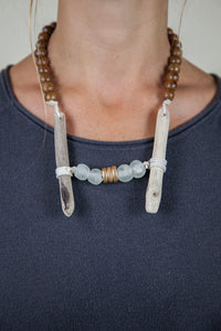 CLEAR + BROWN DRIFTWOOD NECKLACE