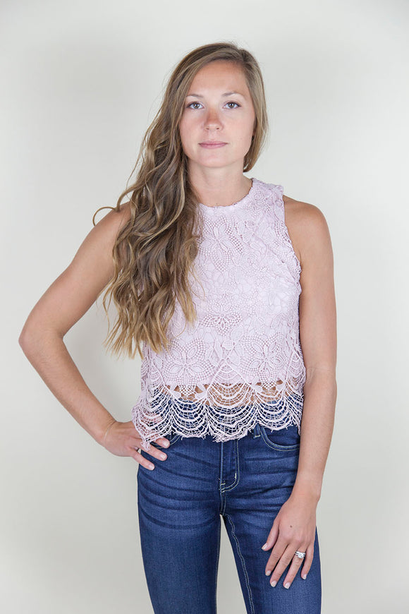 LACE CLOSED CROP TOP