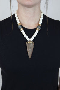 BLUE + WHITE ARROWHEAD NECKLACE