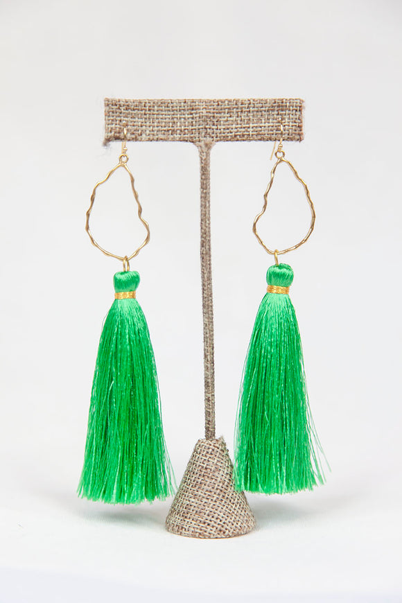 KELLY GREEN OYSTER TASSELS