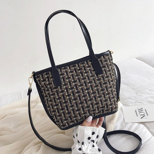 Black Single Shoulder Weave Crossbody Bag