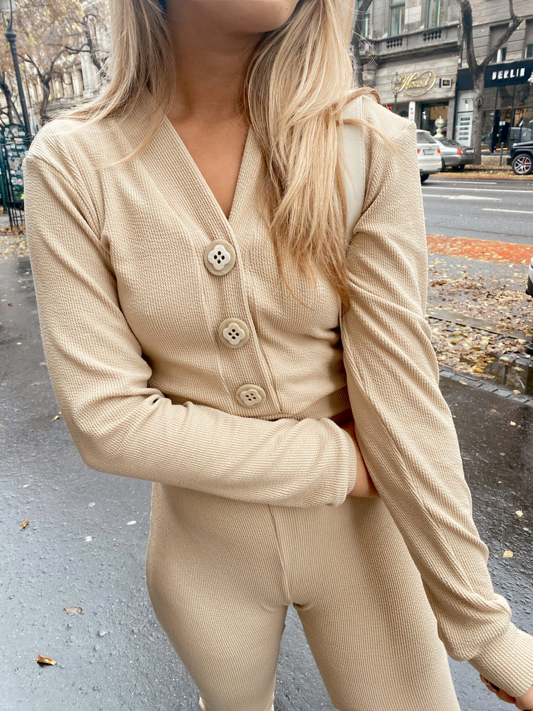 Cropped Knitted Cardigan - beige