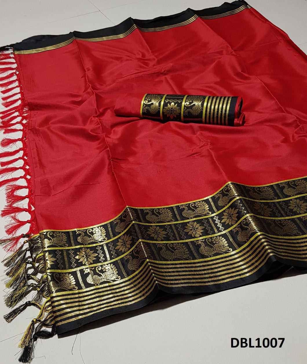 Resplendent Red And Black Color Wedding Wear cotton Soft Silk Saree With Blouse Piece