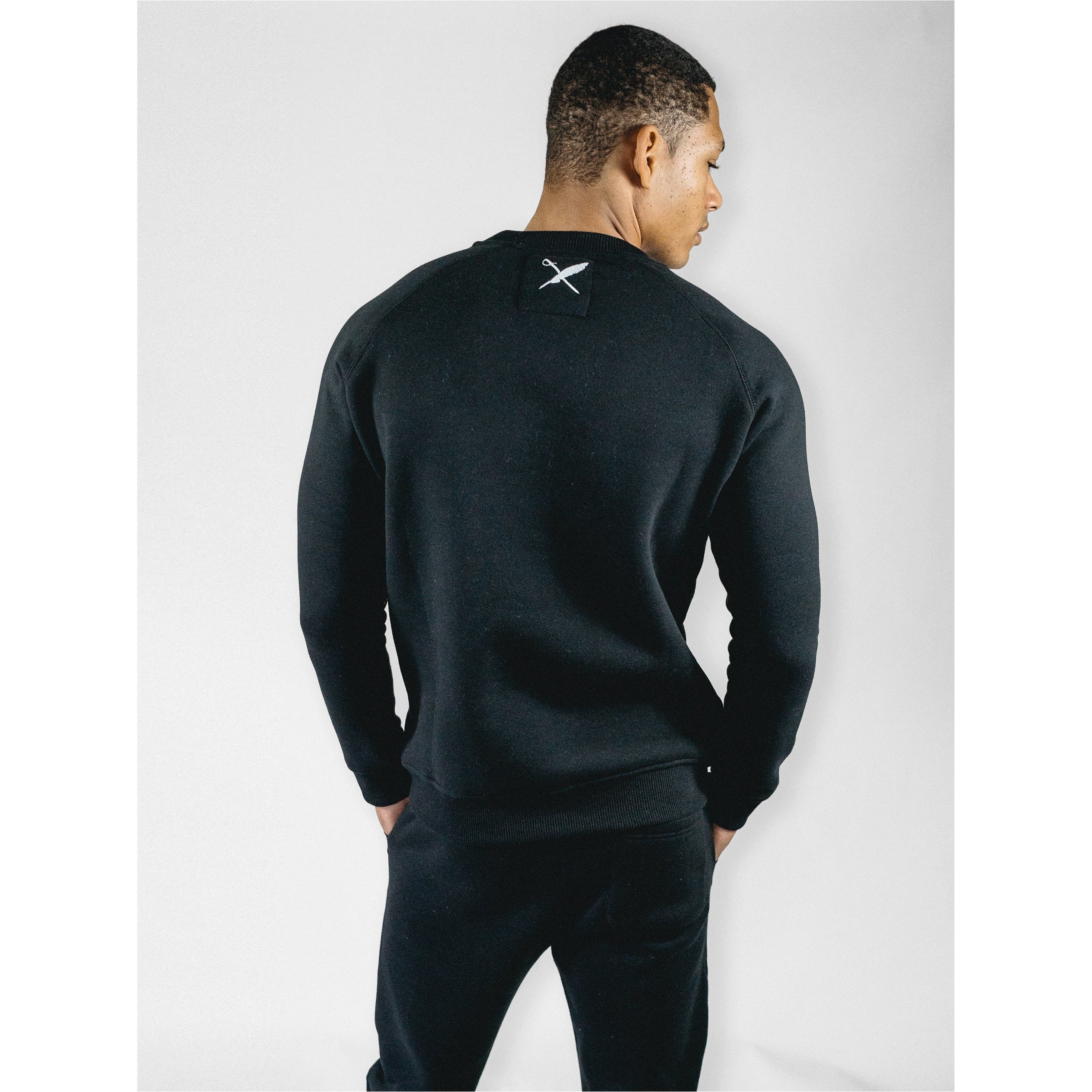 UNISEX BOBBY PULLOVER IN BLACK