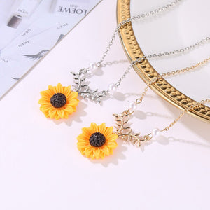 Luokey Women Fashion Sunflower Pendant Necklace Choker Collar Pearl Chain Necklace Female Statement Jewelry Accesorios Mujer