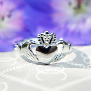 Ladies Sterling Silver Irish Claddagh Ring
