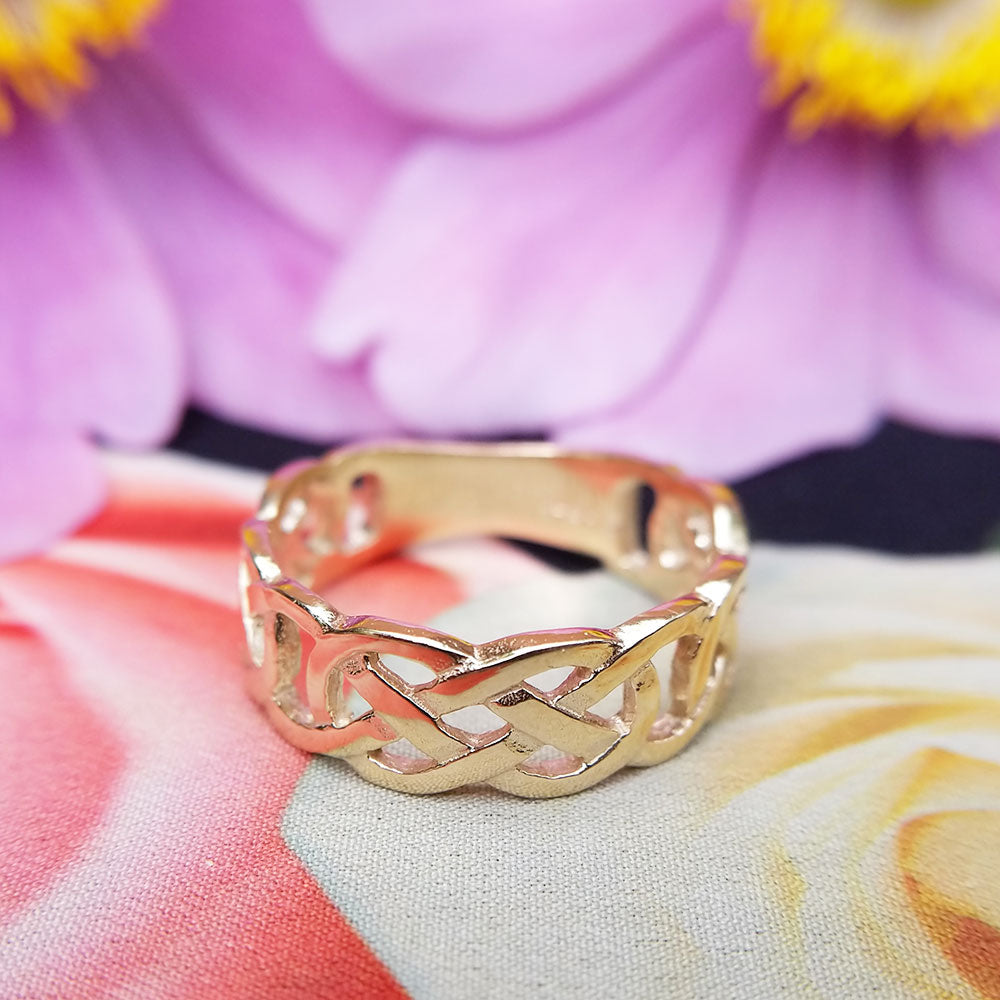 yellow gold celtic ring