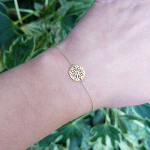 women's dainty stacking bracelet on wrist