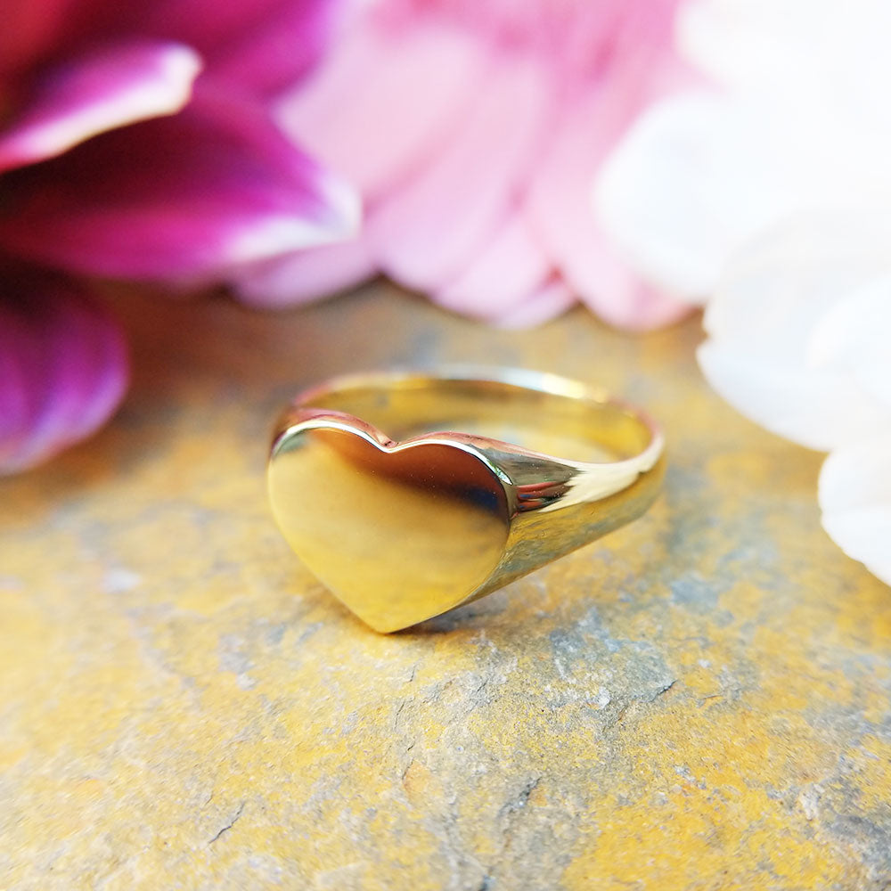women's gold heart signet ring