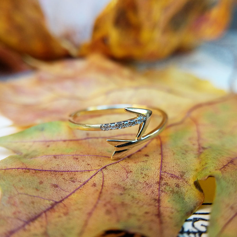yellow gold arrow ring