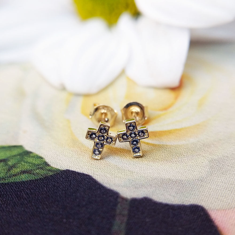 women's gold stud earrings