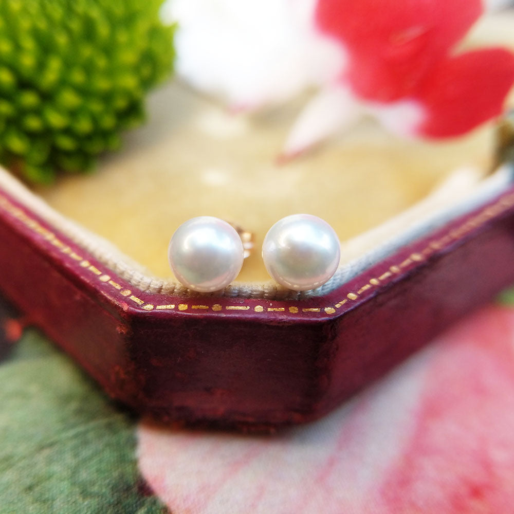 dainty pearl earrings in 9ct gold