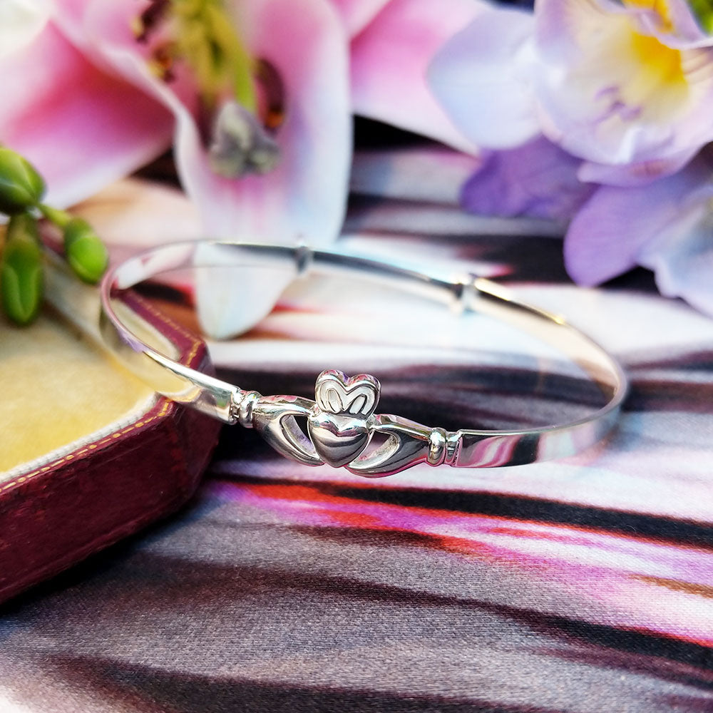 maidens solid silver claddagh bangle