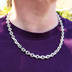 chunky belcher chain on man's neck