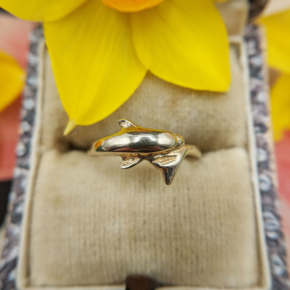 solid gold dolphin toe ring