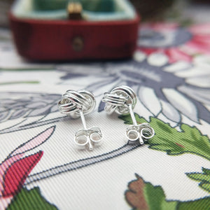 ladies knot studs in 925 silver
