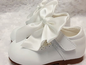 White mary jane shoe