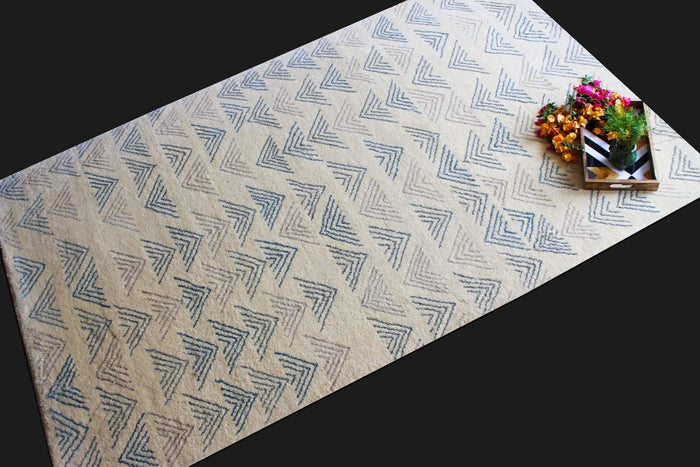 Taabir Blue | Micro Elements | 30 Knots Hand-knotted with NZ Wool & Tencel | 5' x 8'