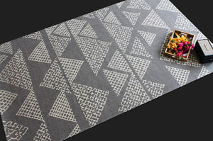 Amira Slate | Micro Elements | 30 Knots Hand-knotted with Blended Wool | 5' x 8'