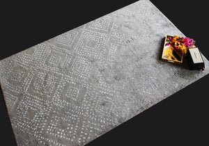 Amal Slate | Micro Elements | 30 Knots Hand-knotted with NZ Wool & Tencel | 5' x 8'