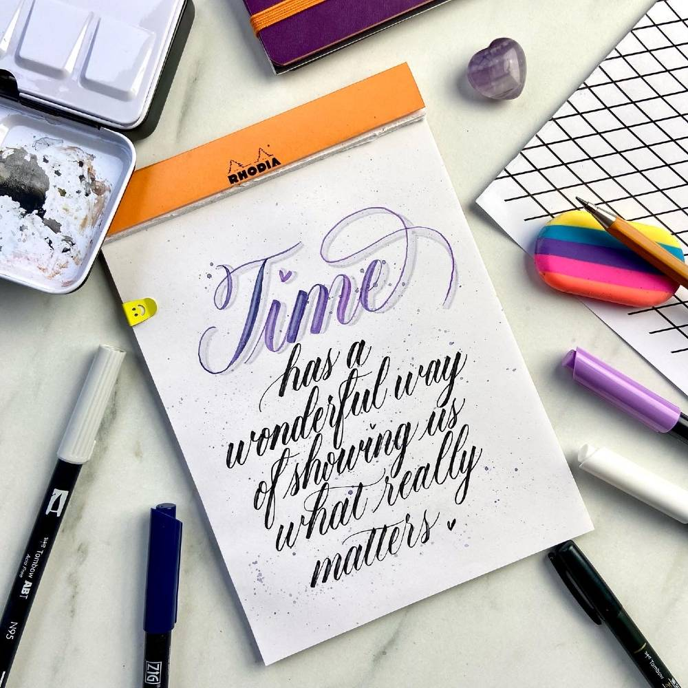 Add highlights to your lettering with the white Fudebiyori brush pen