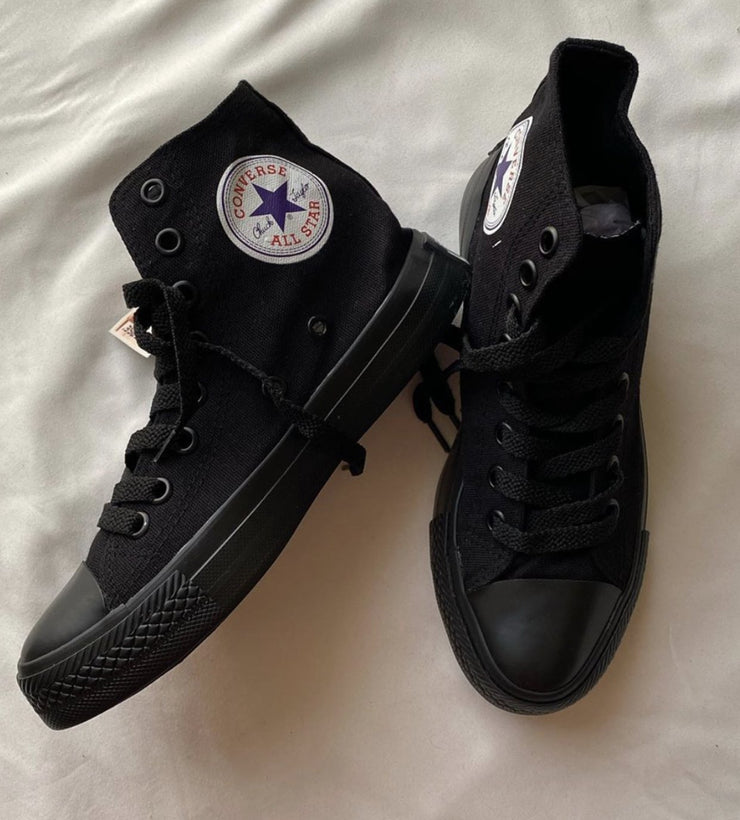 Converse - All black - Wild To Wear
