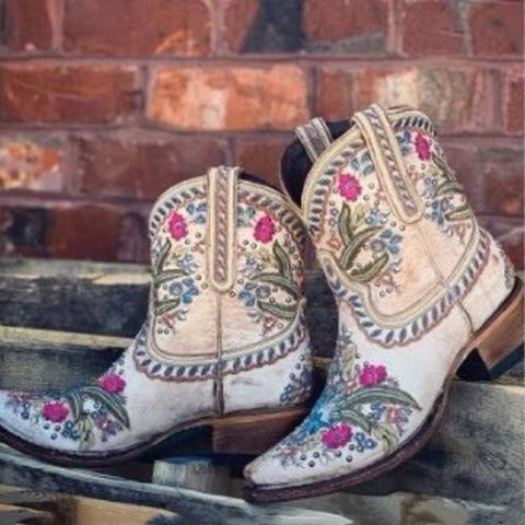 Pointed Rivets Embroidery Middle Boots