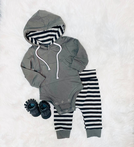 gray striped 2 piece hooded set