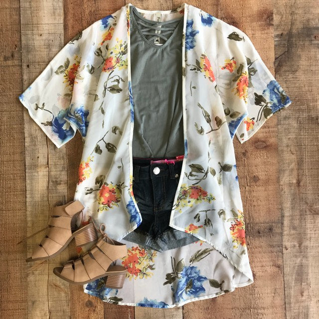 THE SMELL OF SUMMER FLORAL OFF WHITE KIMONO